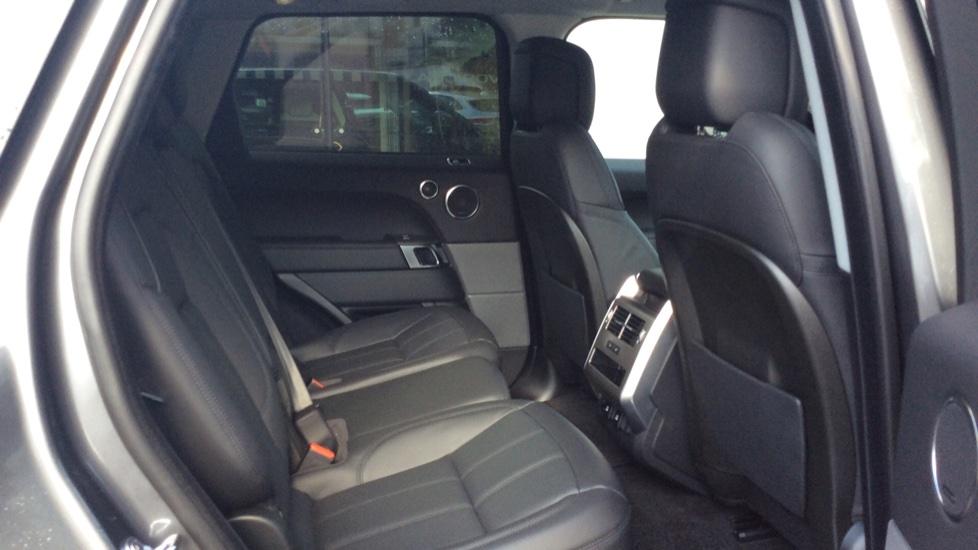 Land Rover Range Rover Sport 3.0 SDV6 HSE 5dr Auto - Privacy Glass - Rear Camera -  image 23
