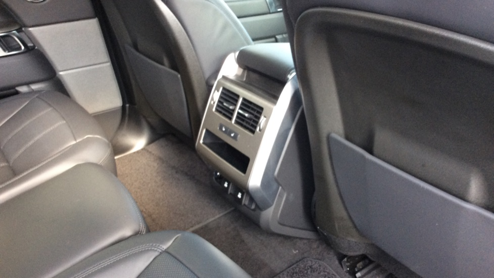 Land Rover Range Rover Sport 3.0 SDV6 HSE 5dr Auto - Privacy Glass - Rear Camera -  image 25