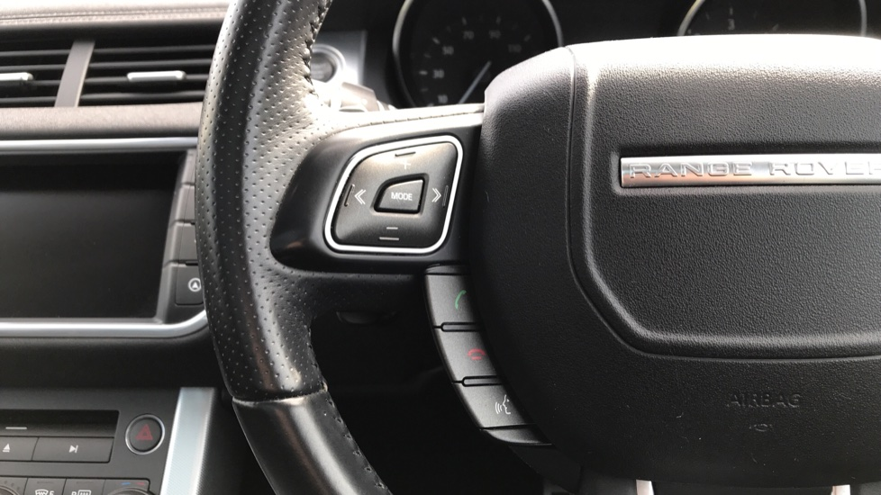 Land Rover Range Rover Evoque 2.0 TD4 HSE Dynamic Lux 5dr image 17