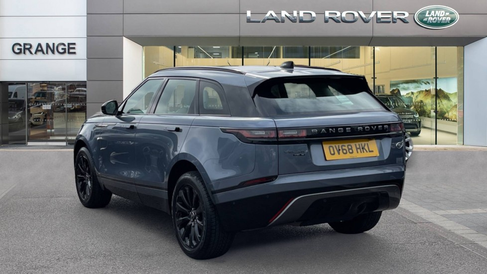 Land Rover Range Rover Velar 2.0 D180 R-Dynamic SE Meridian Surround Sound System and heated windscreen image 2