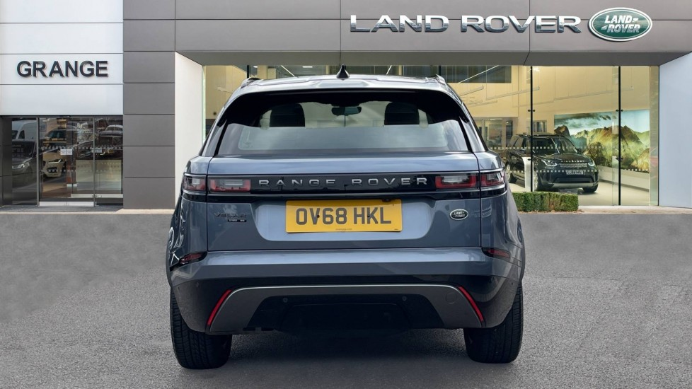 Land Rover Range Rover Velar 2.0 D180 R-Dynamic SE Meridian Surround Sound System and heated windscreen image 6