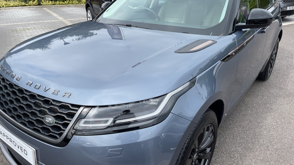 Land Rover Range Rover Velar 2.0 D180 R-Dynamic SE Meridian Surround Sound System and heated windscreen image 19