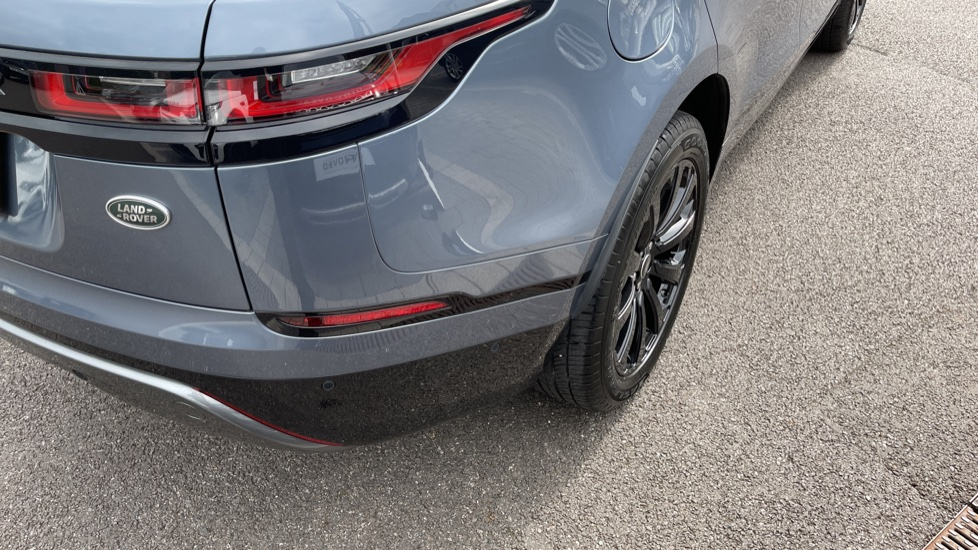 Land Rover Range Rover Velar 2.0 D180 R-Dynamic SE Meridian Surround Sound System and heated windscreen image 22