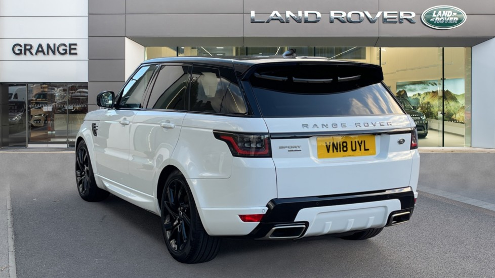 Land Rover Range Rover Sport 3.0 SDV6 HSE Dynamic Interactive Driver Display and Meridian Sound System image 2