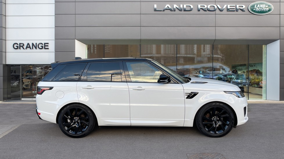 Land Rover Range Rover Sport 3.0 SDV6 HSE Dynamic Interactive Driver Display and Meridian Sound System image 5