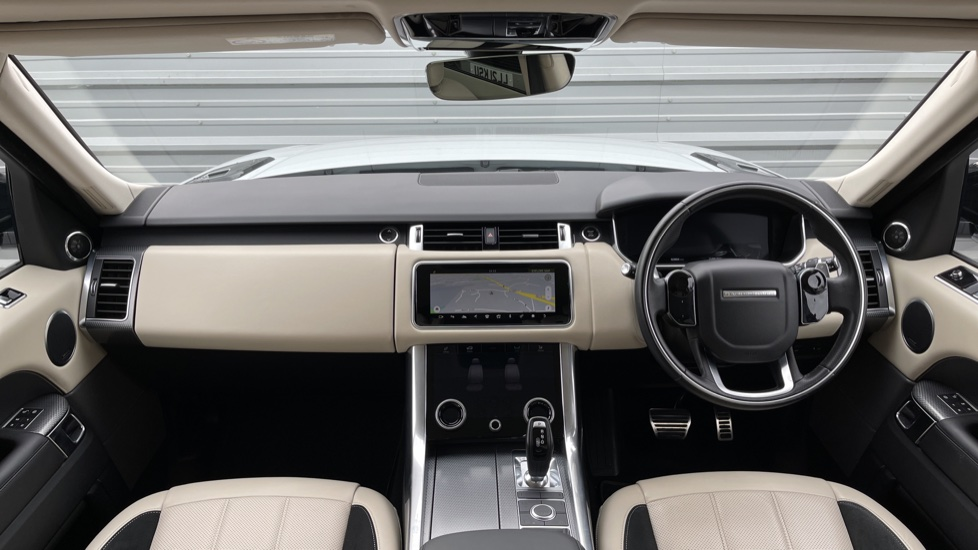 Land Rover Range Rover Sport 3.0 SDV6 HSE Dynamic Interactive Driver Display and Meridian Sound System image 9
