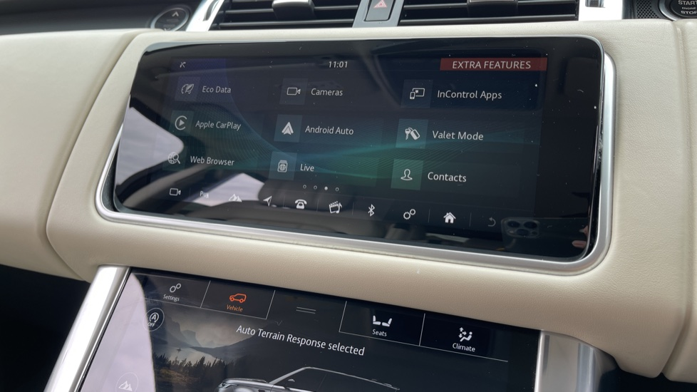 Land Rover Range Rover Sport 3.0 SDV6 HSE Dynamic Interactive Driver Display and Meridian Sound System image 16