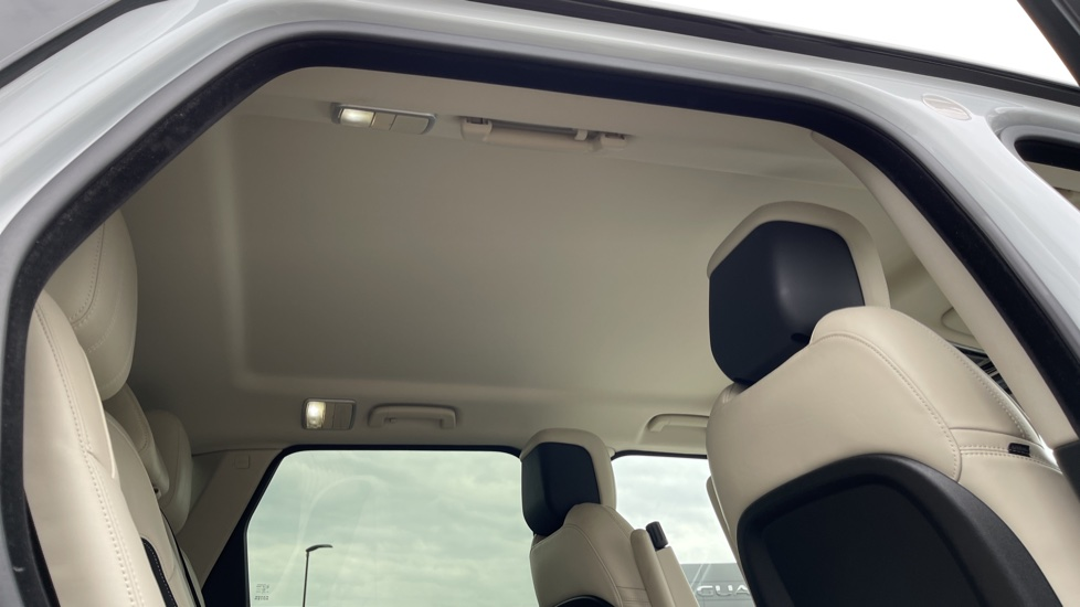 Land Rover Range Rover Sport 3.0 SDV6 HSE Dynamic Interactive Driver Display and Meridian Sound System image 26