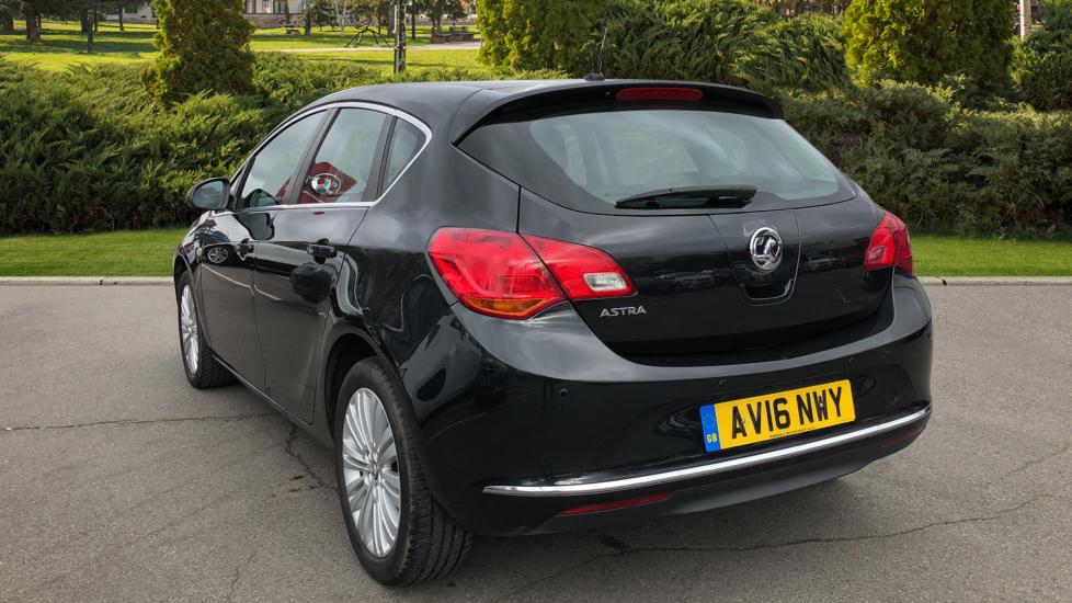 Vauxhall Astra 1.4i 16V Excite 5dr image 2