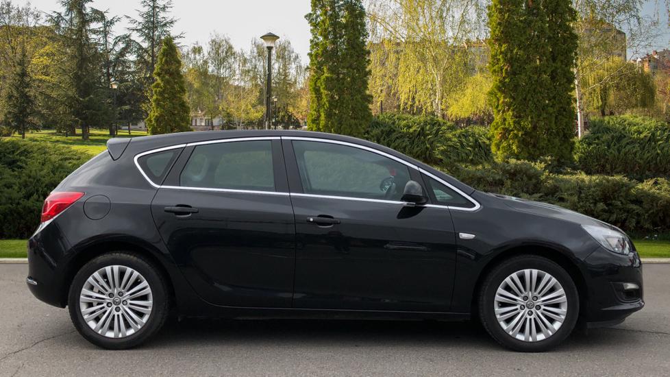 Vauxhall Astra 1.4i 16V Excite 5dr image 5