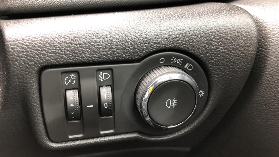 Vauxhall Astra 1.4i 16V Excite 5dr image 14