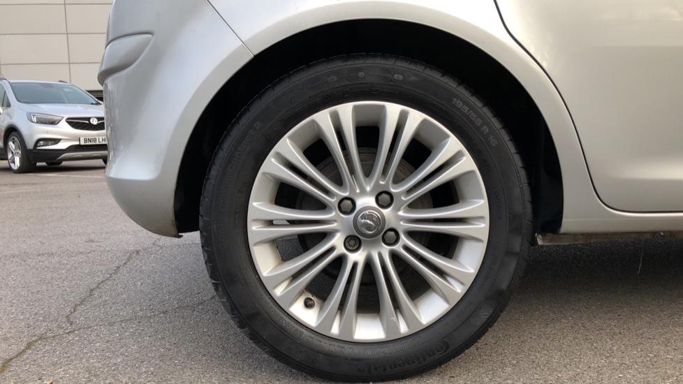 Vauxhall Corsa 1.4 SE image 8