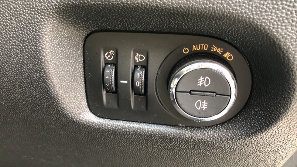 Vauxhall Corsa 1.4 SE image 11