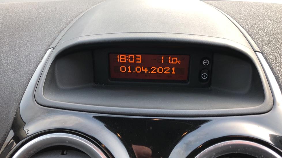 Vauxhall Corsa 1.4 SE image 15