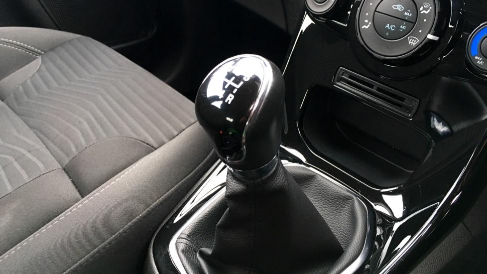 Ford Fiesta 1.25 82 Zetec 5dr image 21
