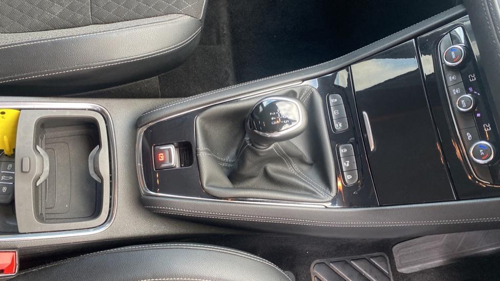 Vauxhall Grandland X 1.6 Turbo D Sport Nav 5dr image 17