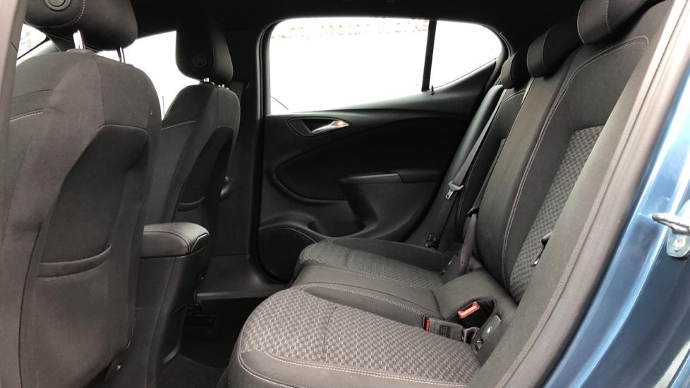 Vauxhall Astra 1.4T 16V 150 SRi 5dr image 4
