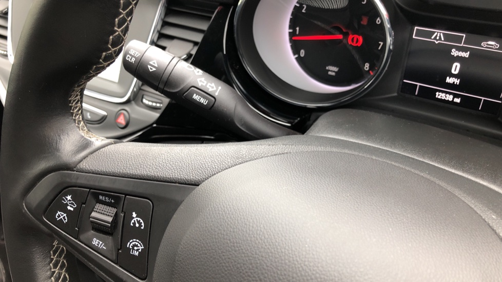 Vauxhall Astra 1.4T 16V 150 SRi 5dr image 11
