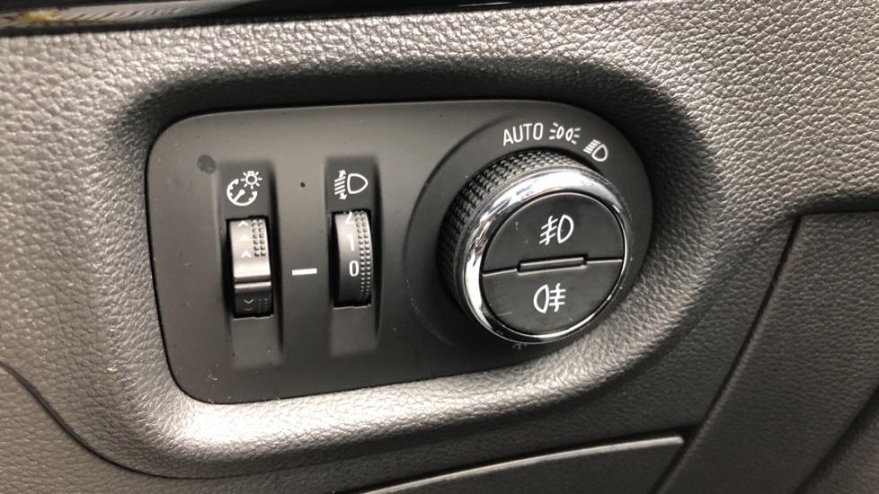Vauxhall Astra 1.4T 16V 150 SRi 5dr image 14