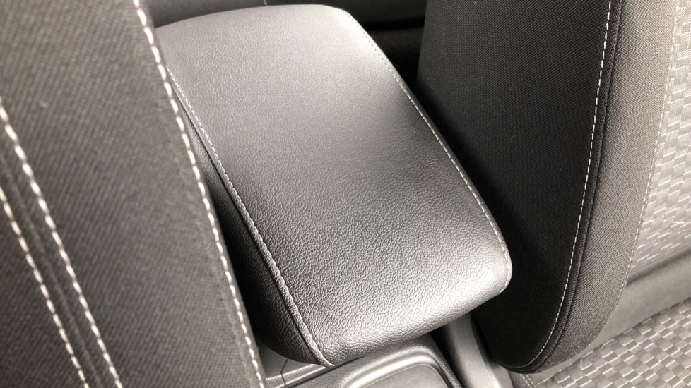 Vauxhall Astra 1.4T 16V 150 SRi 5dr image 22