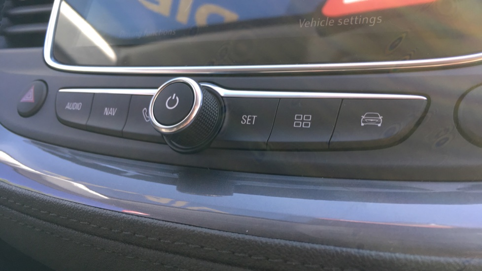Vauxhall Grandland X 1.6 Turbo D Sport Nav 5dr image 18