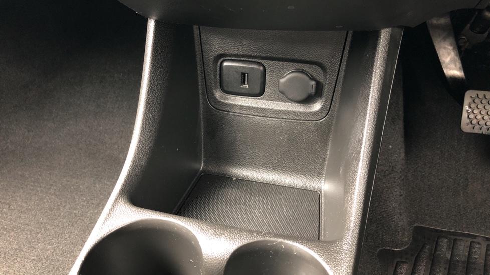 Vauxhall Viva 1.0 SE 5dr image 18