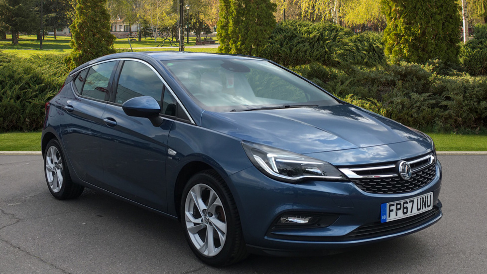 Vauxhall Astra 1.4T 16V 150 SRi Automatic 5 door Hatchback (2017) available from Doves Vauxhall Southampton thumbnail image