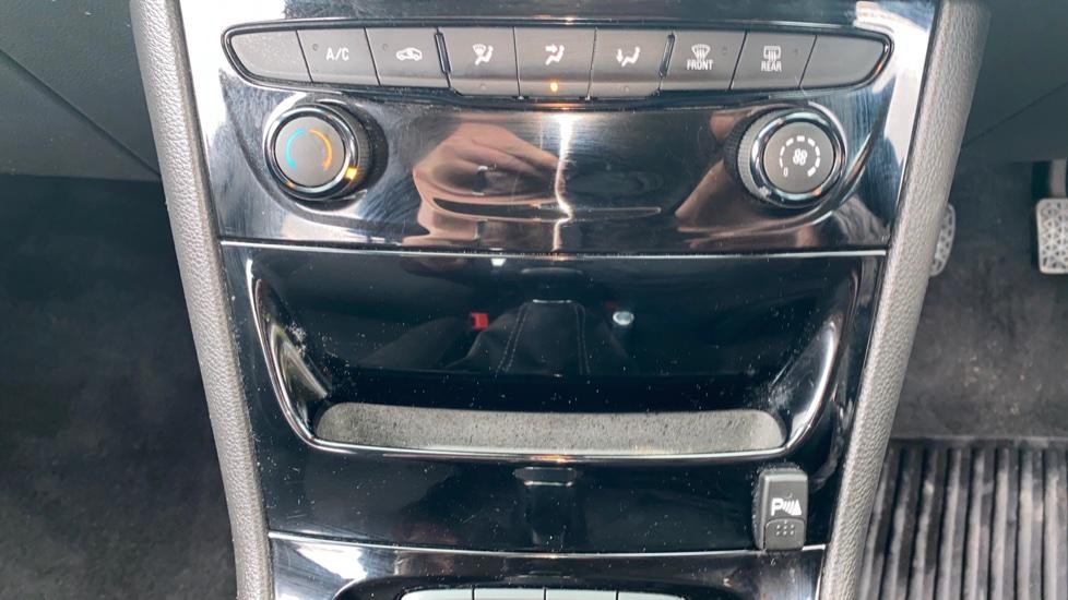 Vauxhall Astra 1.4T 16V 150 SRi 5dr image 17