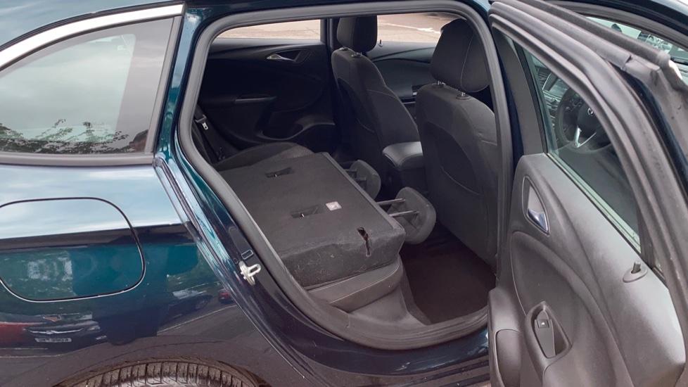 Vauxhall Astra 1.4T 16V 150 SRi 5dr image 21