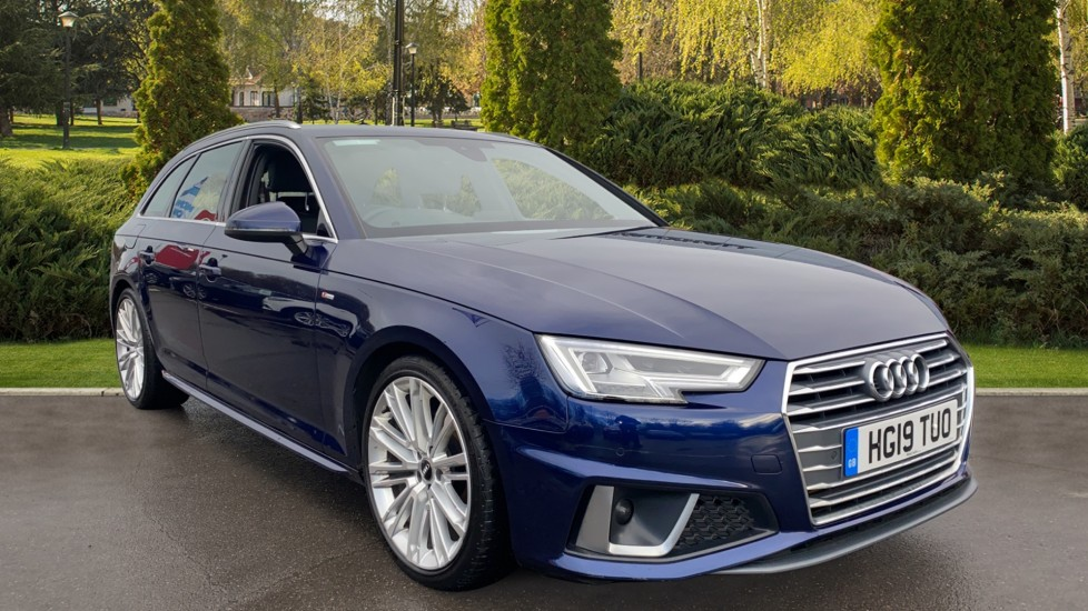 Audi A4 35 TFSI S Line 5dr S Tronic 2.0 Automatic Estate (2019) image