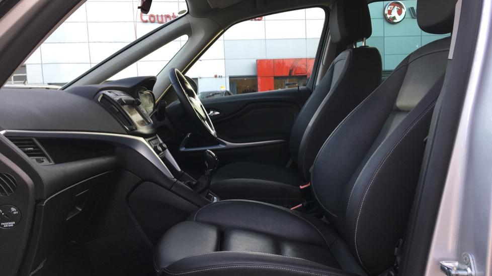 Vauxhall Zafira 1.4T SRi Nav 5dr image 3