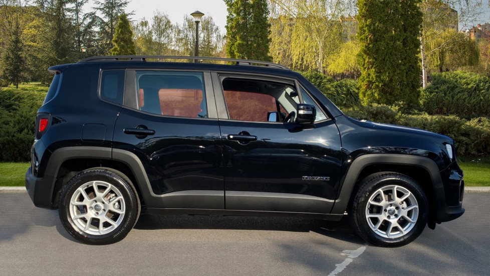 Jeep Renegade 1.0 T3 GSE Longitude 5dr - Satellite Navigation, Parking Sensor & DAB Radio Hatchback (2021) available from Maidstone Suzuki, Honda and Mazda thumbnail image