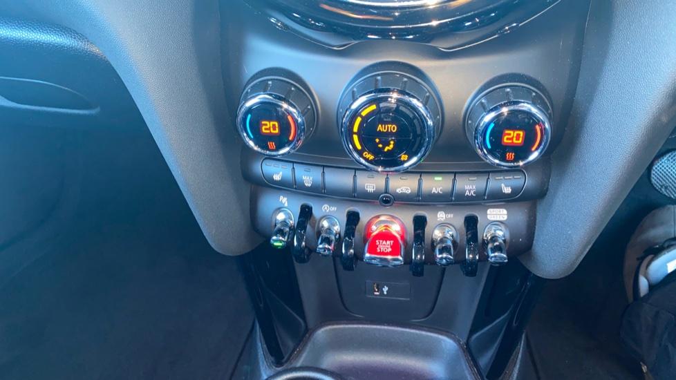 Mini Hatch 2.0 Cooper S Exclusive II image 17