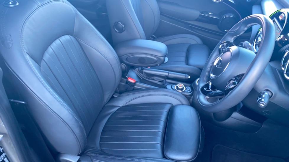 Mini Hatch 2.0 Cooper S Exclusive II image 19