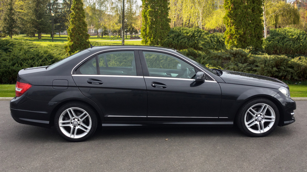 Mercedes-Benz C-Class C180 BlueEFFICIENCY AMG Sport 4dr image 5