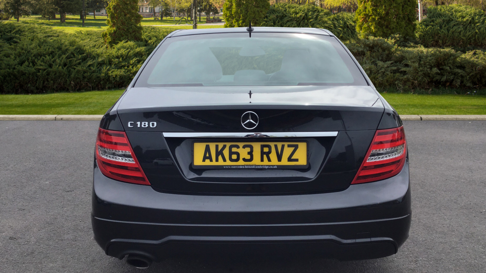 Mercedes-Benz C-Class C180 BlueEFFICIENCY AMG Sport 4dr image 6