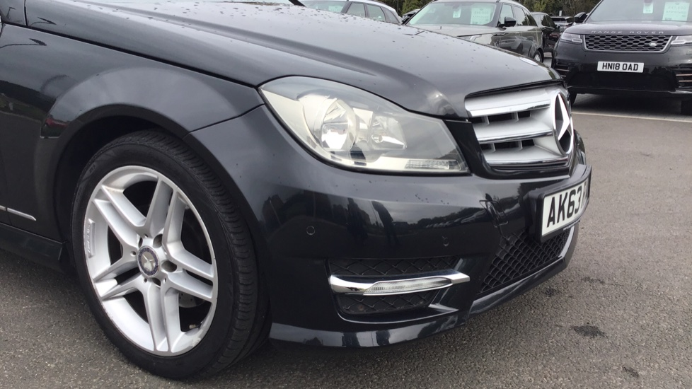 Mercedes-Benz C-Class C180 BlueEFFICIENCY AMG Sport 4dr image 17