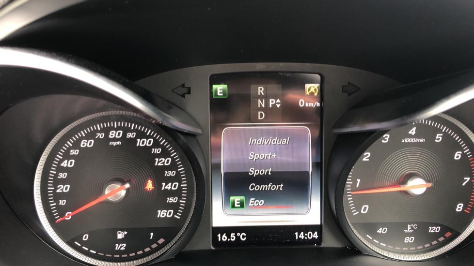Mercedes-Benz C-Class C200 AMG Line Premium 2dr 9G-Tronic image 28
