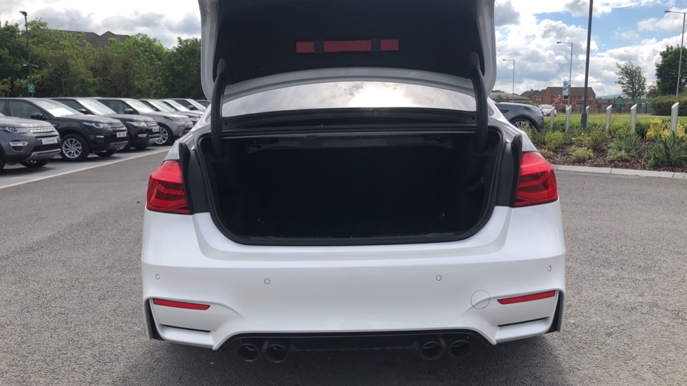 BMW M3 Competition Package DCT image 10