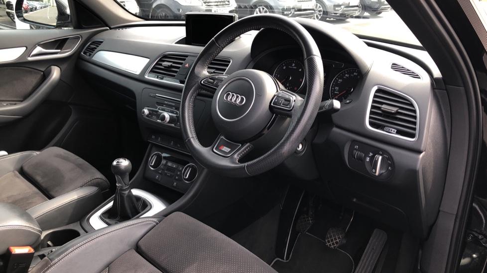 Audi Q3 2.0 TDI Quattro S Line Plus 5dr image 9