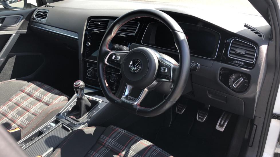 Volkswagen Golf 2.0 TSI GTI 5dr image 9