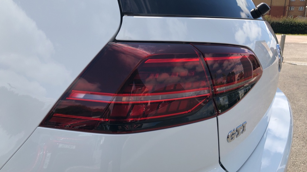 Volkswagen Golf 2.0 TSI GTI 5dr image 11