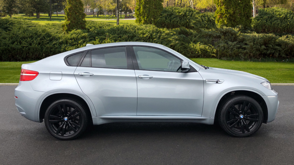 BMW X6 xDrive X6 M with Enhanced Bluetooth, Panoramic Roof, Rev Camera, DAB Radio Rr Heated Seats. image 4