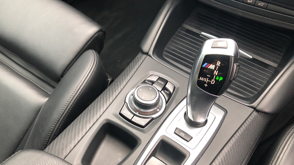 BMW X6 xDrive X6 M with Enhanced Bluetooth, Panoramic Roof, Rev Camera, DAB Radio Rr Heated Seats. image 32