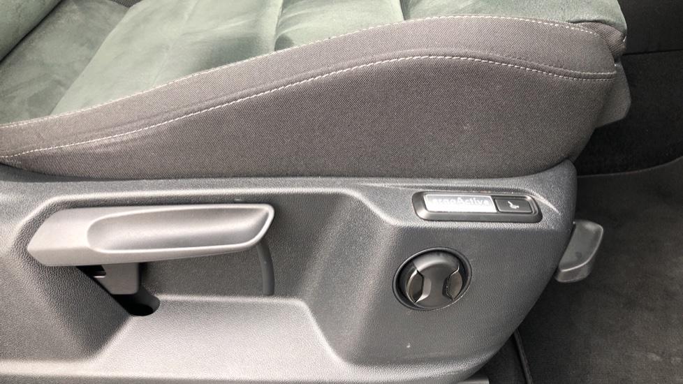 Volkswagen Tiguan 2.0 TDi 150 4Motion SEL 5dr image 19