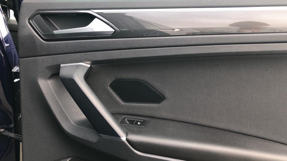 Volkswagen Tiguan 2.0 TDi 150 4Motion SEL 5dr image 22