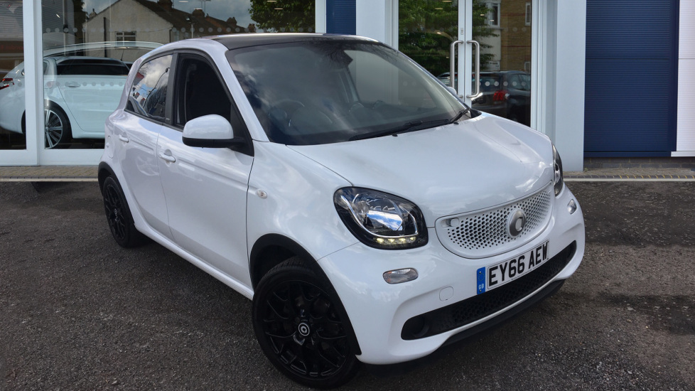 Used Smart forfour Hatchback 0.9T Edition White Twinamic (s/s) 5dr