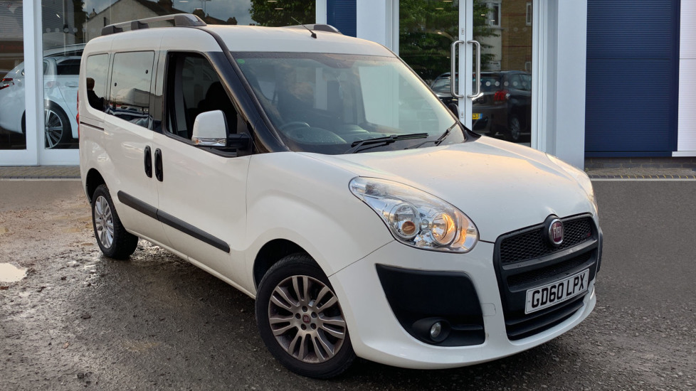 Used Fiat Doblo Estate 1.6 MultiJet 16v Dynamic (Family Pack) 5dr (7 Seats)