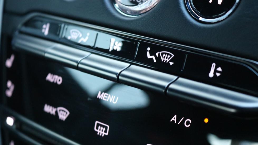 Aston Martin DBS V12 Superleggera 2dr Touchtronic image 34