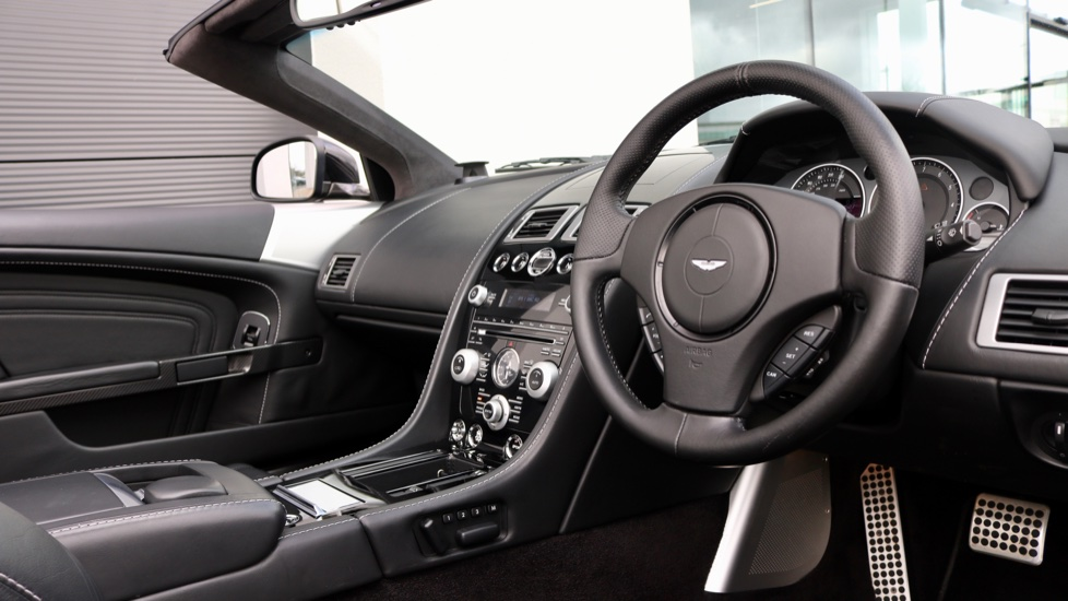 Aston Martin DBS V12 2dr Volante Touchtronic image 25